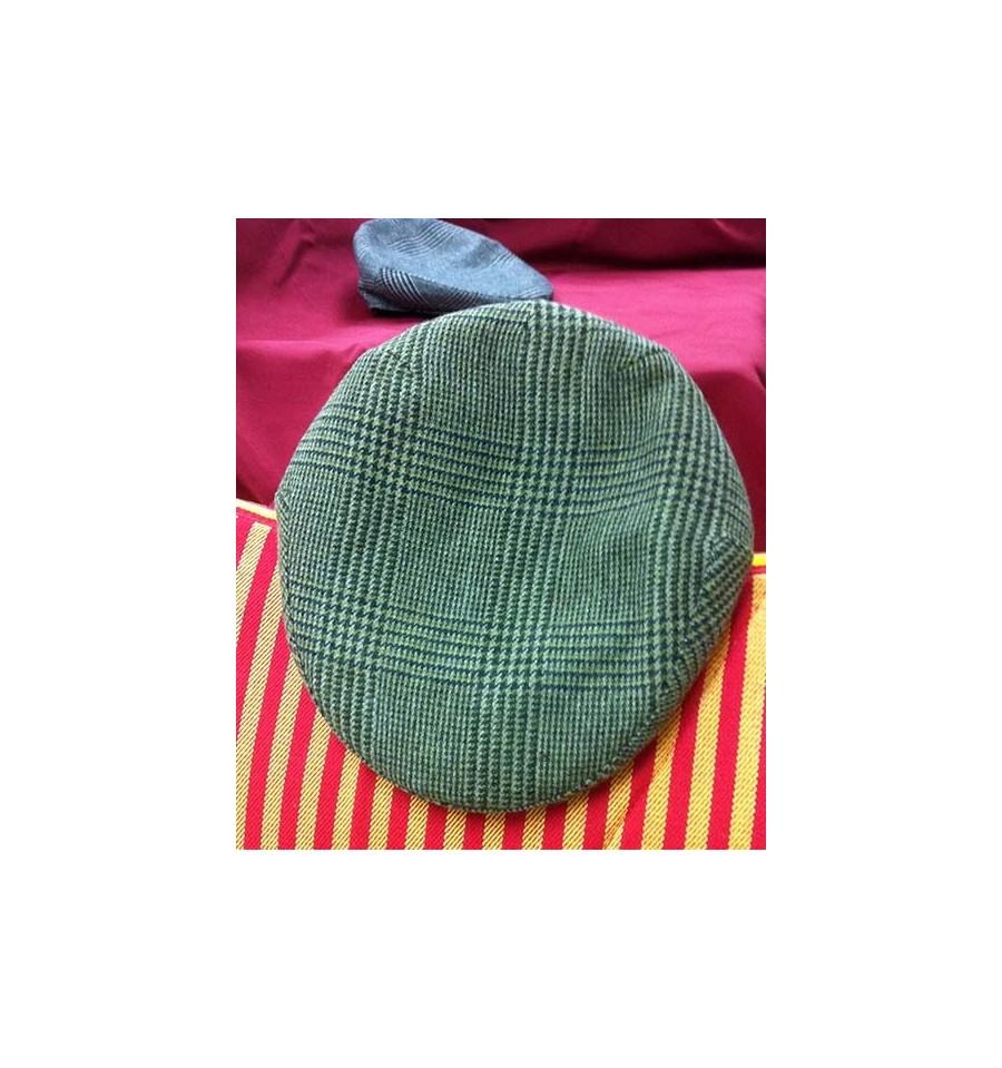 Gorra campera de invierno verde cuadro grande