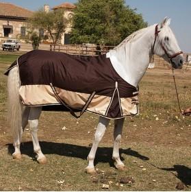Manta impermeable exterior para caballo acolchada