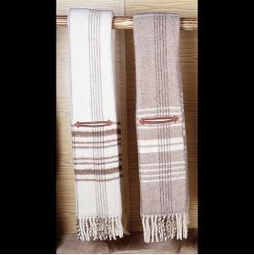 Manta estribera de lana con bolsillos